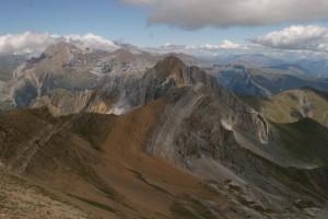 Création des Pyrénées, les 2 versions.