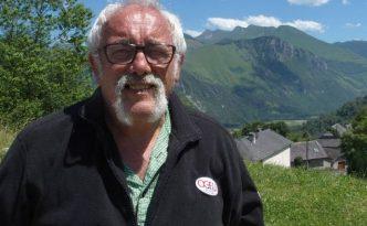Gérard Caubet randonne avec Ogeu